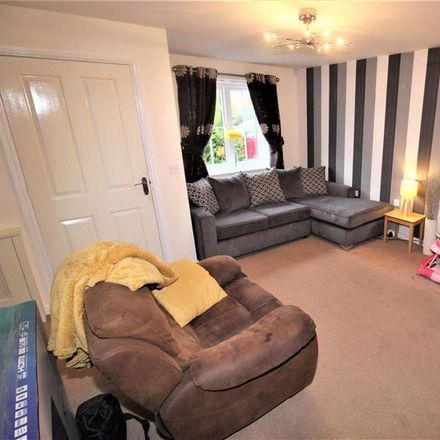 Rent this 3 bed house on Ashurst Grove in Bury M26 1UL, United Kingdom