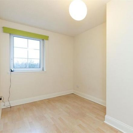 Rent this 3 bed apartment on 8 Powderhall Rigg in City of Edinburgh EH7 4GG, United Kingdom