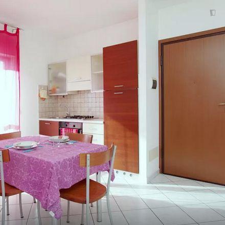 Rent this 3 bed apartment on Vivo Supermercato in Via IV Novembre, 1
