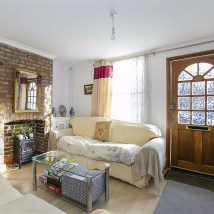 Rent this 3 bed house on Huscarle Way in Purley on Thames RG31 6GE, United Kingdom