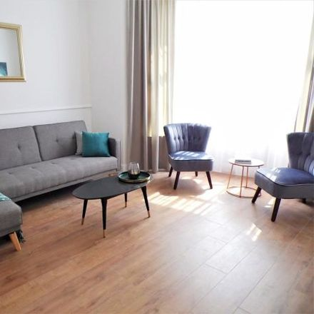 Rent this 4 bed apartment on Pirie Park Primary School in 337 Langlands Road, Glasgow G51 4AW