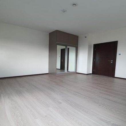 Rent this 3 bed condo on Trion Towers in McKinley Parkway, Taguig