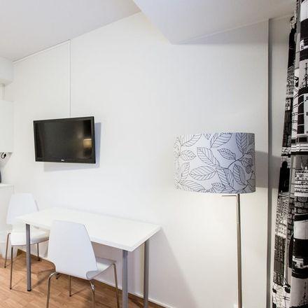 Rent this 20 bed room on Svetsargatan 12 in 00810 Helsingfors, Finlandia