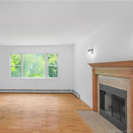 Rent this 3 bed house on 105 Serpentine Drive in Bridgeport, CT 06606