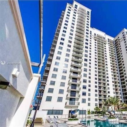 Rent this 3 bed condo on 999 Southwest 1st Avenue in Miami, FL 33130