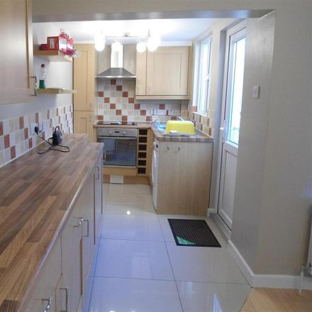 Rent this 2 bed house on 4 Continents Stores in 3-5 Castle Road, Chatham ME4 5JA
