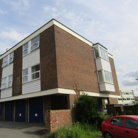 Rent this 2 bed apartment on The Limes in 17-23 Star Lane, Ingatestone CM4 9DN