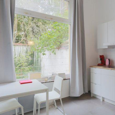 Rent this 0 bed apartment on Rue de l'Arbre Bénit - Gewijde-Boomstraat 106 in 1050 Ixelles - Elsene, Belgium