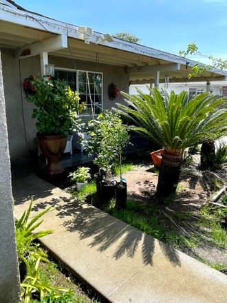 Rent this 3 bed house on 790 North Mirage Avenue in Lindsay, CA 93247