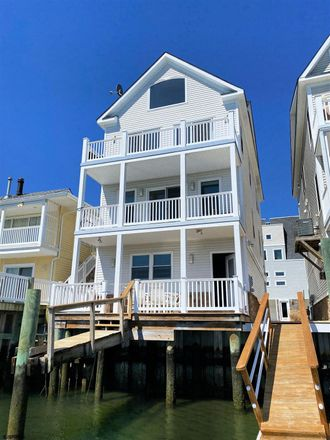 Rent this 4 bed house on 624 Carson Avenue in Atlantic City, NJ 08401