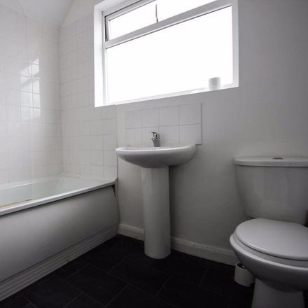 Rent this 6 bed house on Elm Grove in Brighton BN2 3ET, United Kingdom
