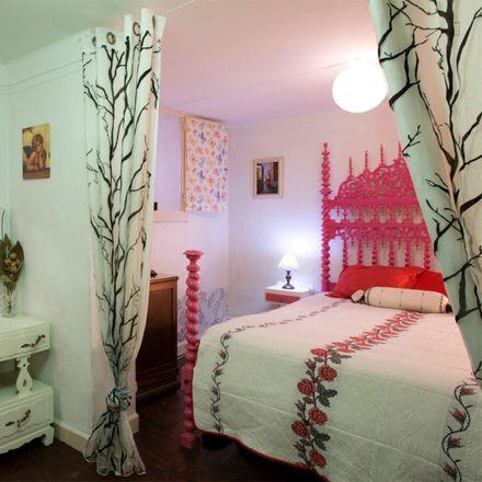 Rent this 2 bed room on Rua da Escola do Exército 26 in 1150-192 Lisbon, Portugal