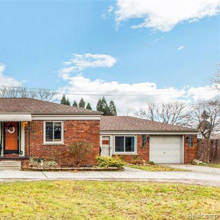 Rent this 3 bed house on 27182 Little Mack Avenue in Saint Clair Shores, MI 48081