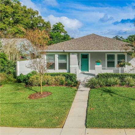 Rent this 3 bed house on 927 17th Street North in Saint Petersburg, FL 33713