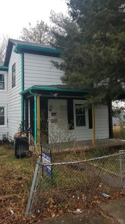 Rent this 3 bed house on 920 Cabell Street in Lynchburg, VA 24504
