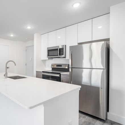 Rent this 3 bed apartment on Grand St in Jersey City, NJ