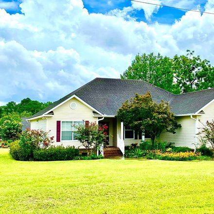 Rent this 3 bed house on 2364 Dunn Road in Quitman, GA 31643