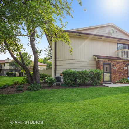 Rent this 2 bed townhouse on 706 Whalom Lane in Schaumburg, IL 60173
