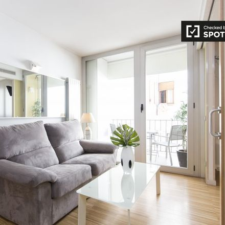 Rent this 3 bed apartment on Calle de la Colegiata in 6, 28012 Madrid