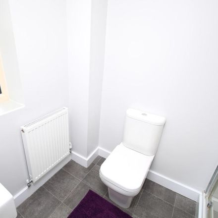 Rent this 3 bed house on Kingsbrook Chase in Rotherham S63 7FG, United Kingdom