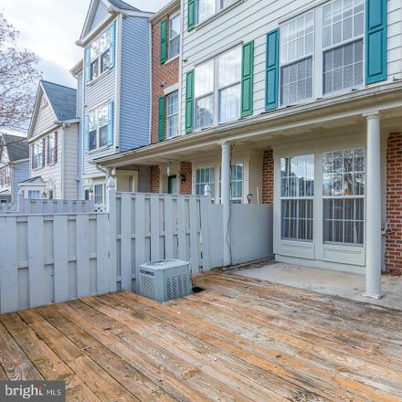 Rent this 3 bed townhouse on 561 Boysenberry Lane in Frederick, MD 21703