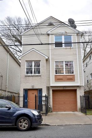 Rent this 3 bed apartment on Wilkinson Ave in Jersey City, NJ