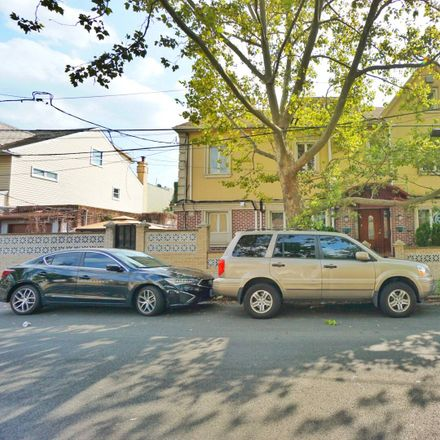 Rent this 5 bed townhouse on 606 68th Street in New York, NY 11220