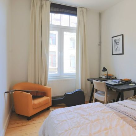 Rent this 4 bed apartment on R-Club in Avenue des Celtes - Keltenlaan 51, 1040 Etterbeek
