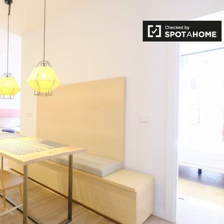 Rent this 1 bed apartment on Deportes Laser in Calle de las Delicias, 25