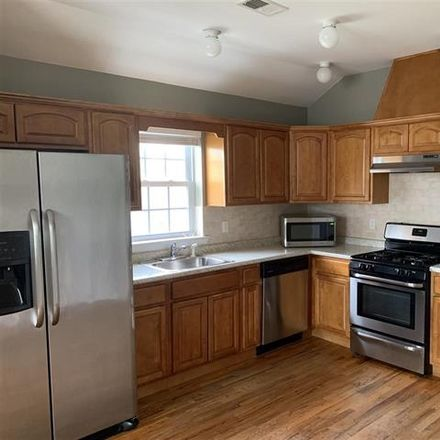 Rent this 3 bed apartment on 39 West 34th Street in Bayonne, NJ 07002