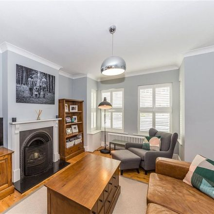 Rent this 4 bed house on Kingcroft Road in St Albans AL5 1EH, United Kingdom