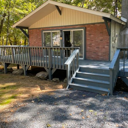 Rent this 3 bed house on Arbor Dr in Milford, PA