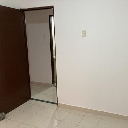 Rent this 3 bed apartment on Mobil in Calle 47, El Carmen