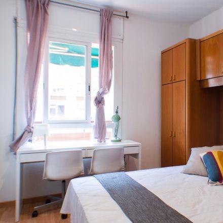 Rent this 5 bed apartment on Carrer de la Diputació in 123I, 08015 Barcelona