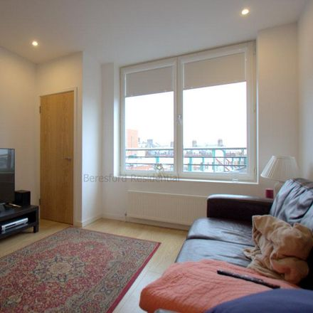 Rent this 1 bed apartment on Phoenix Cafe in Coldharbour Lane, London SW9 8LL