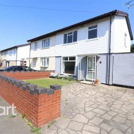 Rent this 3 bed house on Williton Road in Luton LU2 9EH, United Kingdom
