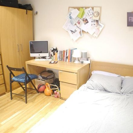 Rent this 4 bed apartment on Bridge Wharf in Caledonian Road, London N1 9RG