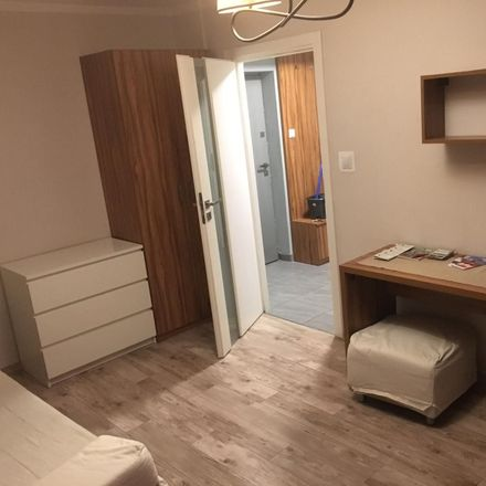 Rent this 2 bed room on Golden Travel in Starowiślna, 31-038 Krakow