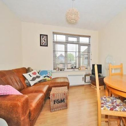 Rent this 1 bed apartment on Kingsland Car Park in Buttercross Walk, Thatcham RG19 3AA