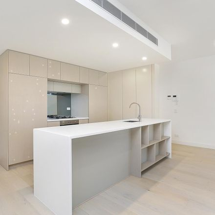 Rent this 2 bed apartment on 432/3 McKinnon Avenue