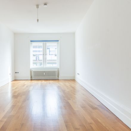 Rent this 4 bed apartment on Eiserner Steg in 60311 Frankfurt am Main, Germany