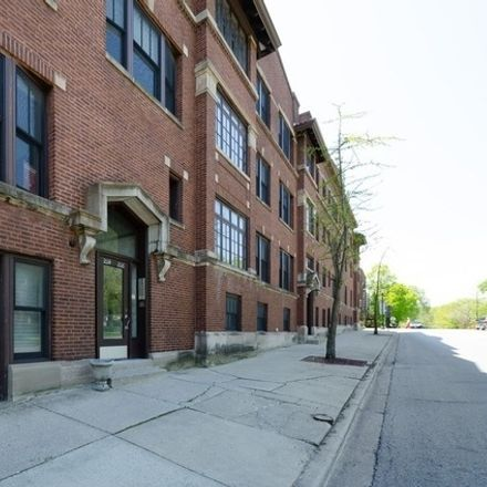 Rent this 2 bed townhouse on 1016 Main Street in Evanston, IL 60202