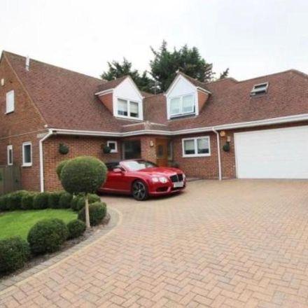 Rent this 6 bed house on Welwyn Hatfield EN6 4JQ