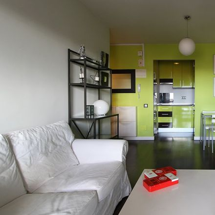 Rent this 2 bed apartment on GoikoGrill in Avenida de Alberto Alcocer, 42