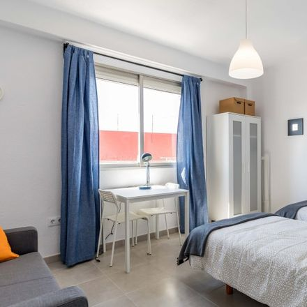 Rent this 3 bed apartment on 47 in Carrer de Just Vilar, 46011 Valencia