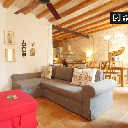 Rent this 3 bed apartment on Placeta de Sant Francesc in Barcelona, Spain