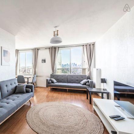 Rent this 3 bed apartment on 5 Rue Robert Lavergne in 92600 Asnières-sur-Seine, France
