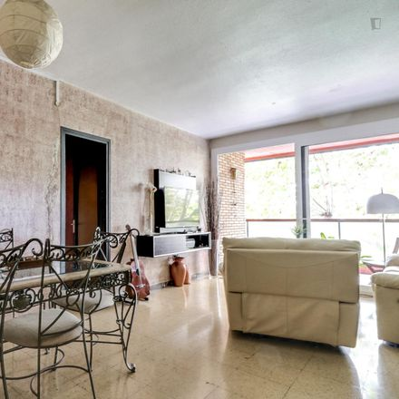 Rent this 4 bed room on Avinguda del Paral·lel in 15, 08004 Barcelona