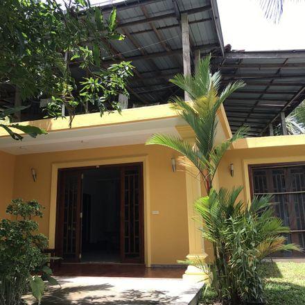 Rent this 4 bed house on Nalagasdeniya 80240