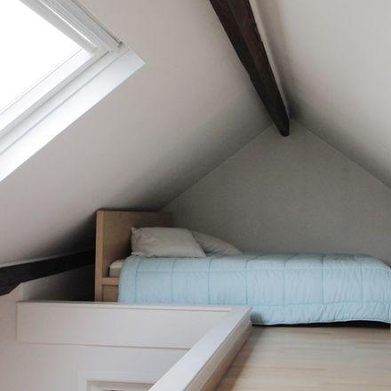 Rent this 1 bed apartment on Rue de la Seconde Reine - Tweede Koninginstraat 16 in 1180 Uccle - Ukkel, Belgium
